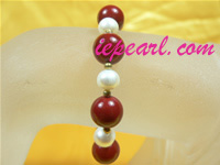 8mm cultured pearl bracelet with red shell in wholesale